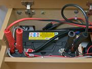 ワニ口クリップによるバッテリー接続